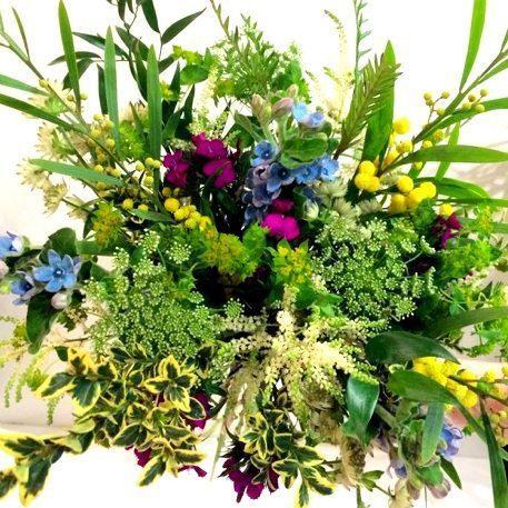 Soft, natural bridal bouquet.