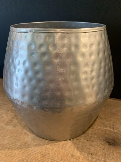 Textured metal pot